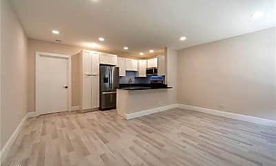 Living Room, 628 NE 8th Ave, 0