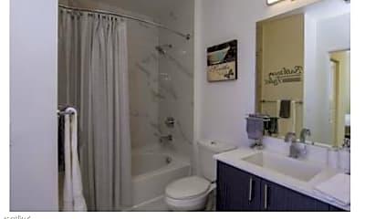 Bathroom, 727 NW 2nd St, 0