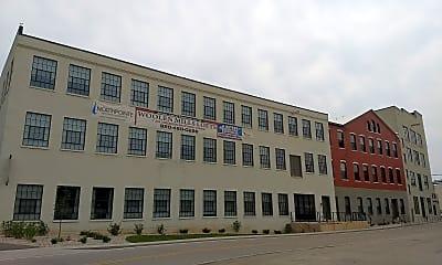 Woolen Mills Lofts, 1