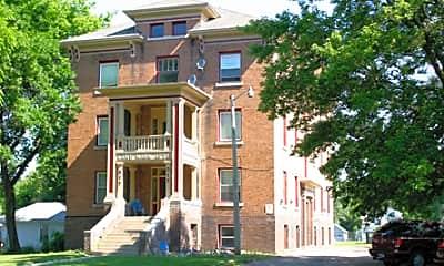 Building, 517 E 4th St, 2