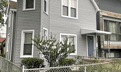 Building, 4157 W Eddy St, 2