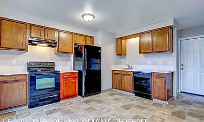 Kitchen, 2717 SE Chestnut St, 1