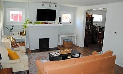 Living Room, 1150 E Sycamore St, 1