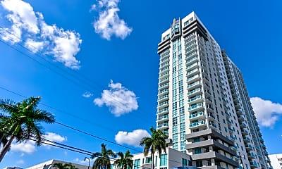 Building, 25 Biscayne Park, 1