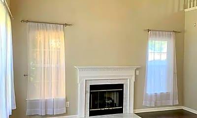 Living Room, 321 Stone Hedge Ct, 1