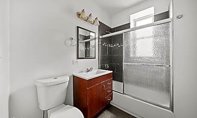 Bathroom, 2459 W Armitage Ave, 2