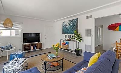 Living Room, 320 27th St, 1