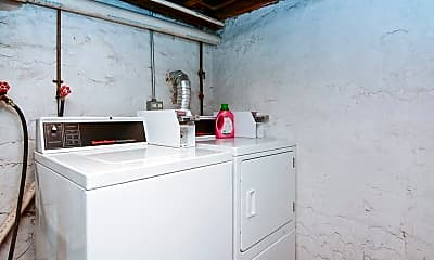 Patio / Deck, 2346 W Taylor St, 2