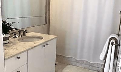 Bathroom, 901 Brickell Key Blvd, 2