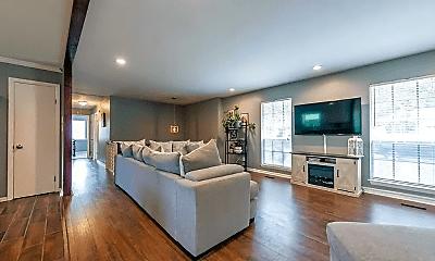 Living Room, 6509 Blackstone Dr, 1
