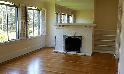 Living Room, 2843 Baker St, 1