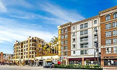 Building, 572 Caruso Ave, 2