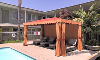 The Tahitian Apartments, 2