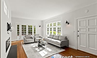 Living Room, 685 Lowell Ave, 1