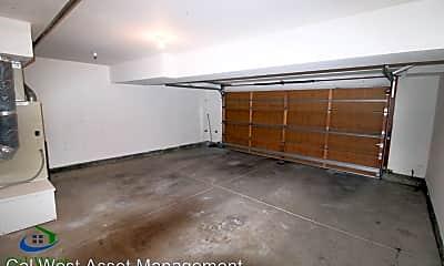 Kitchen, 422 Galleria Dr, 2