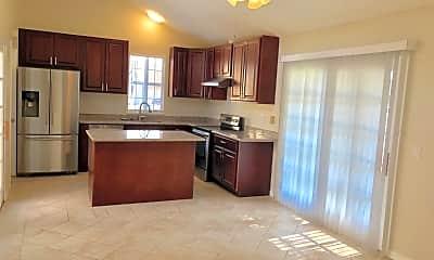 Kitchen, 5365 Larch Grove Pl, 1