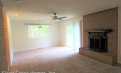 Living Room, 2201 Rogers Cir, 2