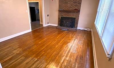 Living Room, 1601 Johnston Dr, 1