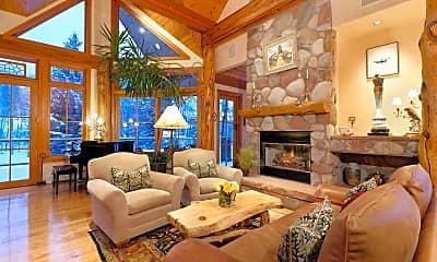 Living Room, 85 Glen Garry Dr, 1