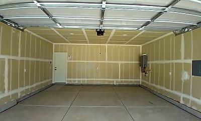 Living Room, 5855 E Pitt Ave, 2