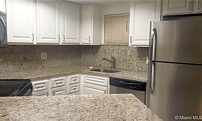 Kitchen, 8245 Lake Dr 205, 0