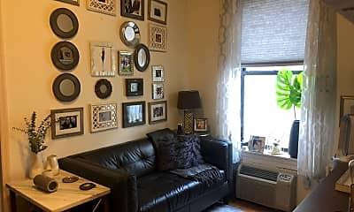 Living Room, 211 E 21st St, 0