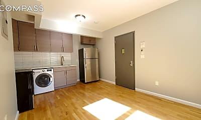 Kitchen, 726 Courtlandt Ave 1-R, 0