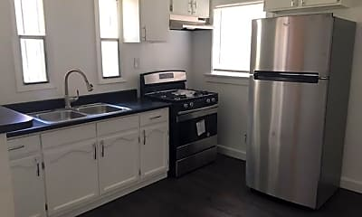 Kitchen, 1631 S Burlington Ave, 1