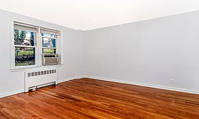 Living Room, 1549 Central Park Ave G4, 1