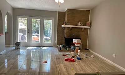 Living Room, 510 Shenandoah Ct, 2