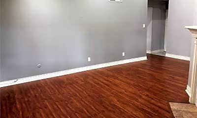 Living Room, 3100 Walnut Bend Ln, 2