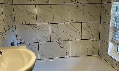 Bathroom, 1351 Oxford Rd NE, 2