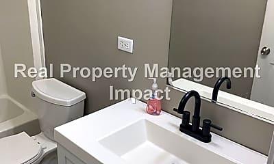 Bathroom, 2221 Hoot Owl Ct, 2