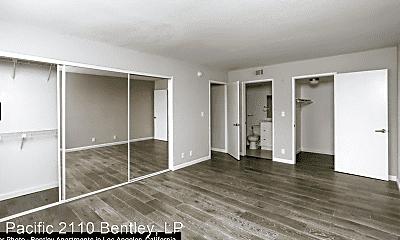 Kitchen, 2110 S Bentley Ave, 2