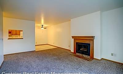 Living Room, 702 W Main St, 0