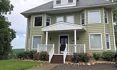 Building, 669 Alden St, 2