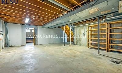 Building, 525 Rancho Ln, 2