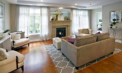 Living Room, 40 Nassau St, 2