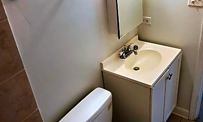 Bathroom, 15928 Le Claire Ave, 2