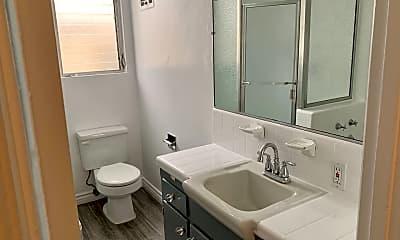 Bathroom, 8207 De Longpre Ave, 2