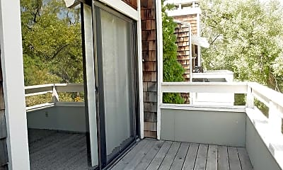 Patio / Deck, Lakeridge West Apartments, 2