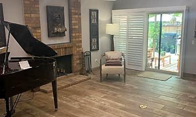Living Room, 410 W Riverview Cir, 1