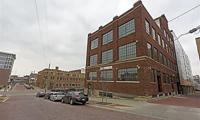 Building, 17 Williams St SW, 2