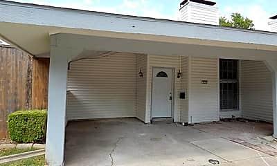 Building, 727 Ticonderoga Dr, 1