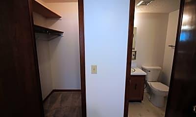 Bathroom, 1432 B St, 2