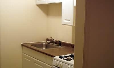 Bathroom, 603 E Patapsco Ave, 0