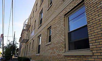Yamhill at Sixth Apartments, 2