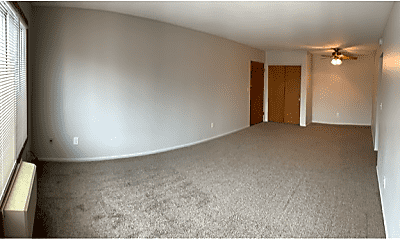 Living Room, 505 28th Ave N, 2