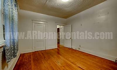 Living Room, 300 E Roosevelt Rd, 2