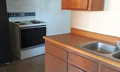 Kitchen, 500 SW 10th Ave, 1